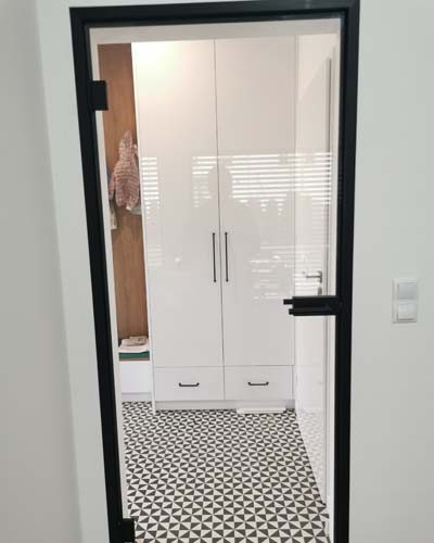 drzwi szklane w oscieznicy